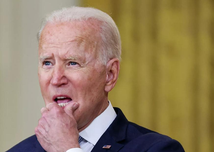 Biden ordena la vacunación masiva en empleados federales