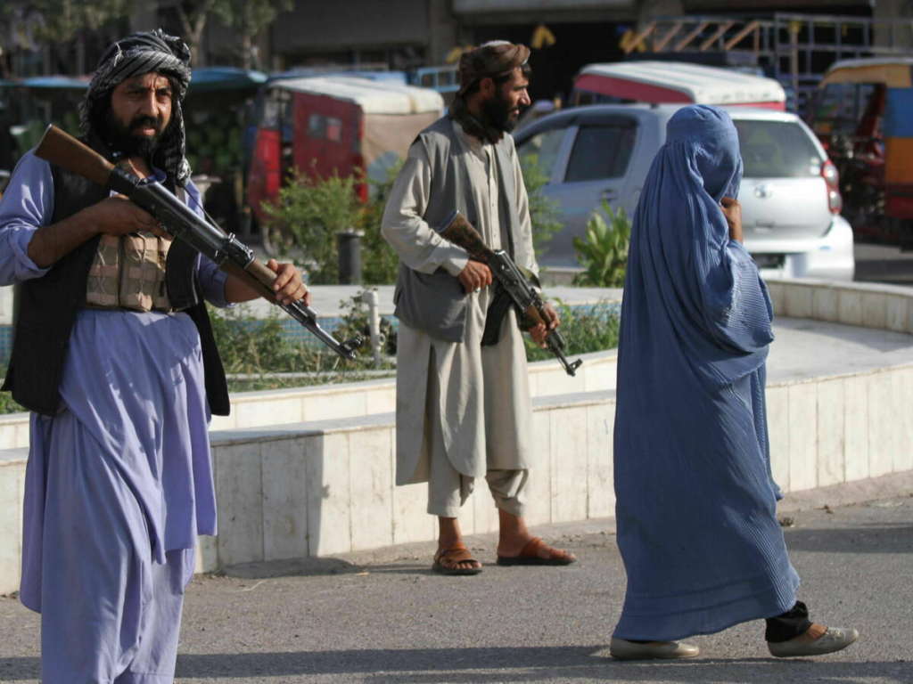 Aumenta a 160 los fallecidos en aeropuerto de Kabul