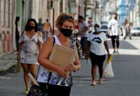 Cuba suma otros 77 muertos por Covid