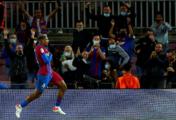 Barcelona evita en el minuto 90 otra derrota