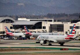 United Airlines convence a parte de sus trabajadores reacios a vacunarse