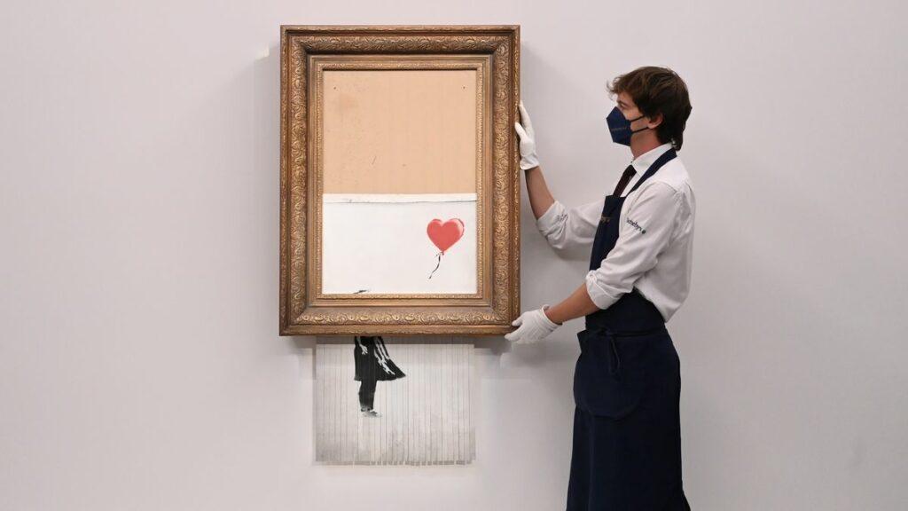 """Subastan versión de """"Niña con globo"""" firmada por Banksy"""