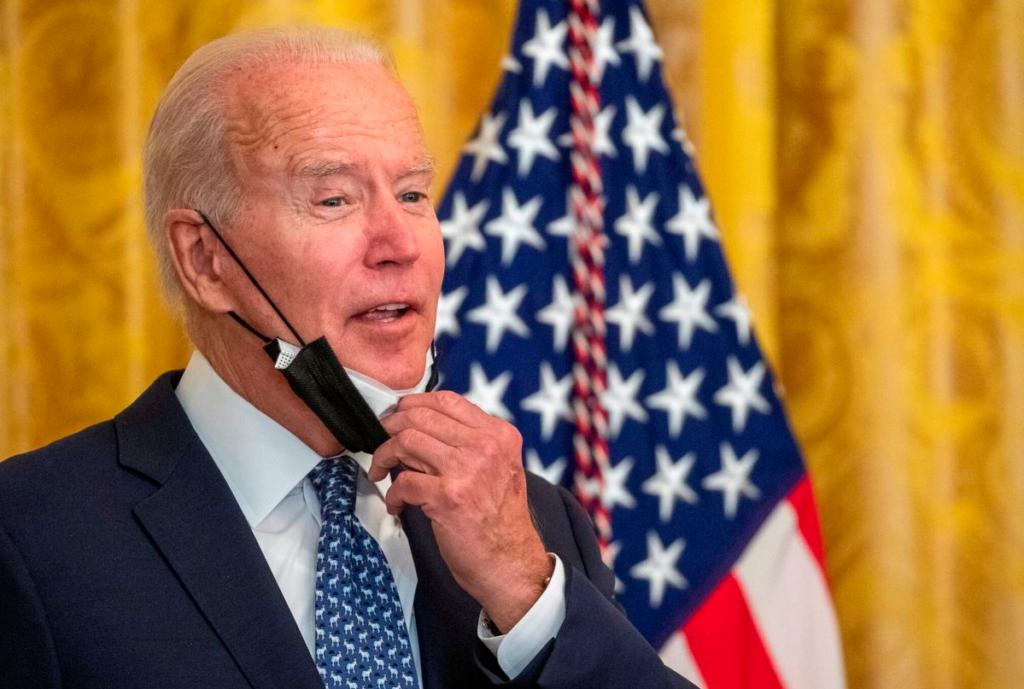 Biden apela orden que prohíbe usar norma sanitaria para expulsar a migrantes
