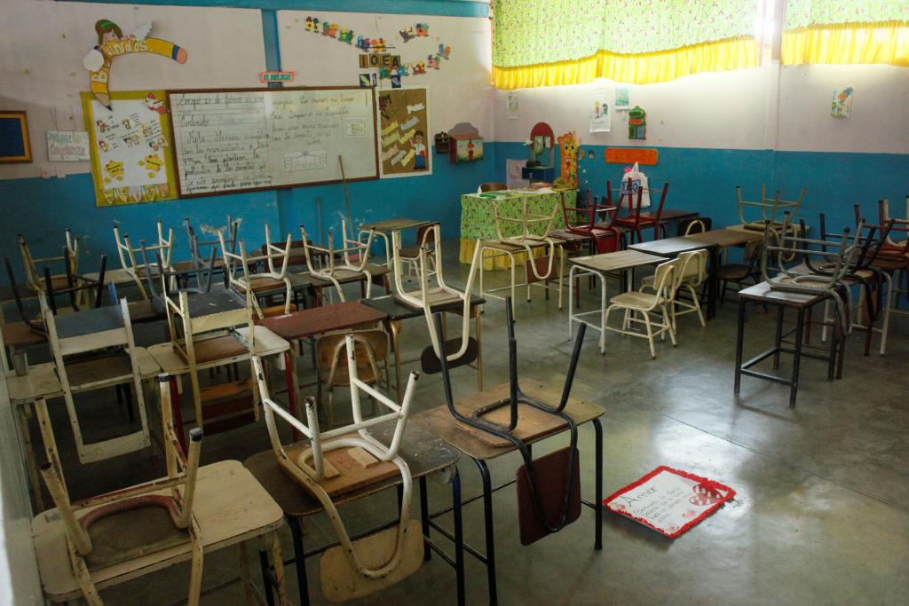 Padres venezolanos con miedo por el regreso a clase