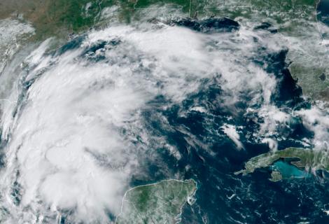 Nicholas se acerca a Texas con probabilidades de ser huracán