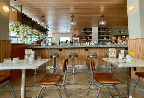 Chug's Diner reabre con pastelitos y la primera ventanita del Grove