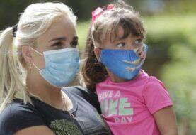 Gobierno de EEUU y Florida persisten en uso de mascarillas