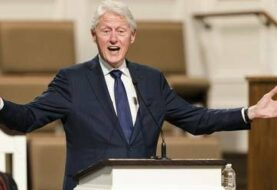 Hospitalizan al ex presidente Bill Clinton